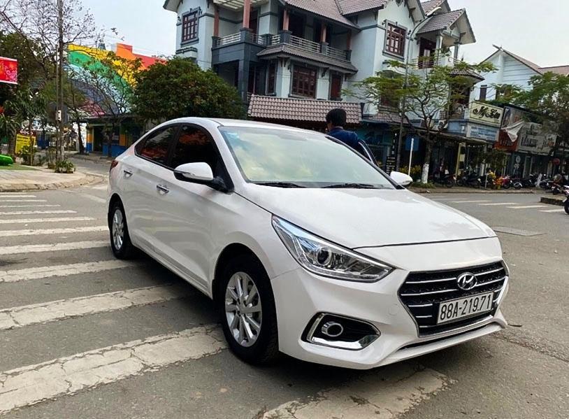 Xe Hyundai Accent năm sản xuất 2018, màu trắng chính chủ (1)