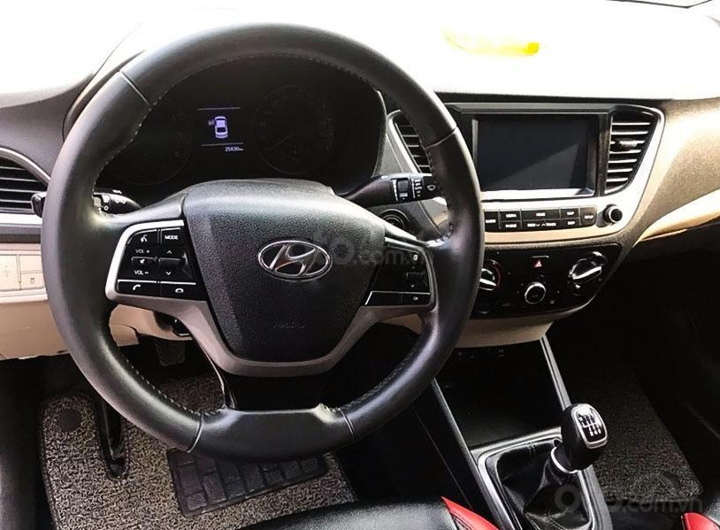 Xe Hyundai Accent năm sản xuất 2018, màu trắng chính chủ (4)