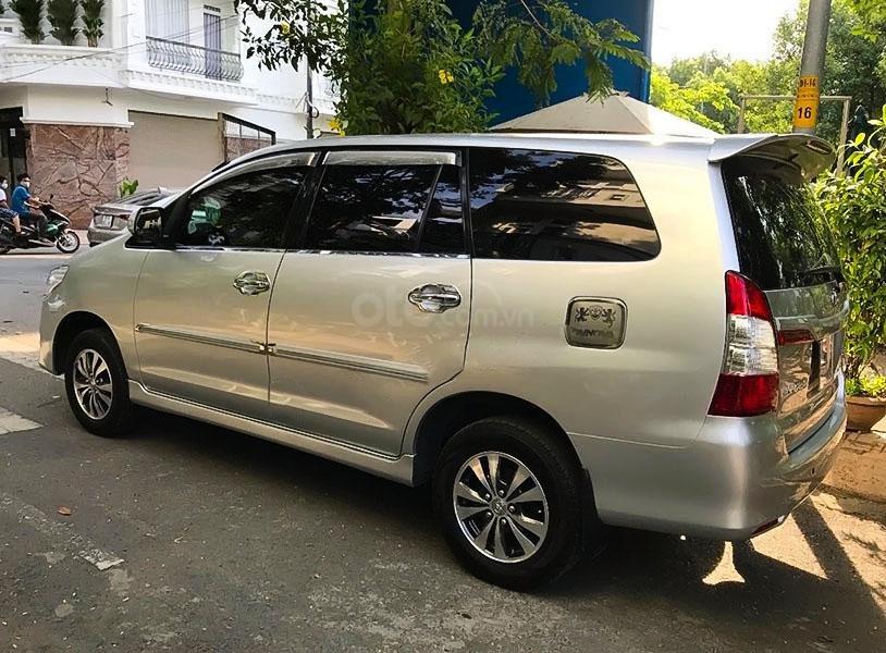 Xe Toyota Innova sản xuất 2015, màu bạc chính chủ, 398 triệu (3)