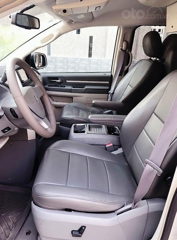 Cần bán Dodge Grand caravan đời 2009, màu bạc, nhập khẩu (4)