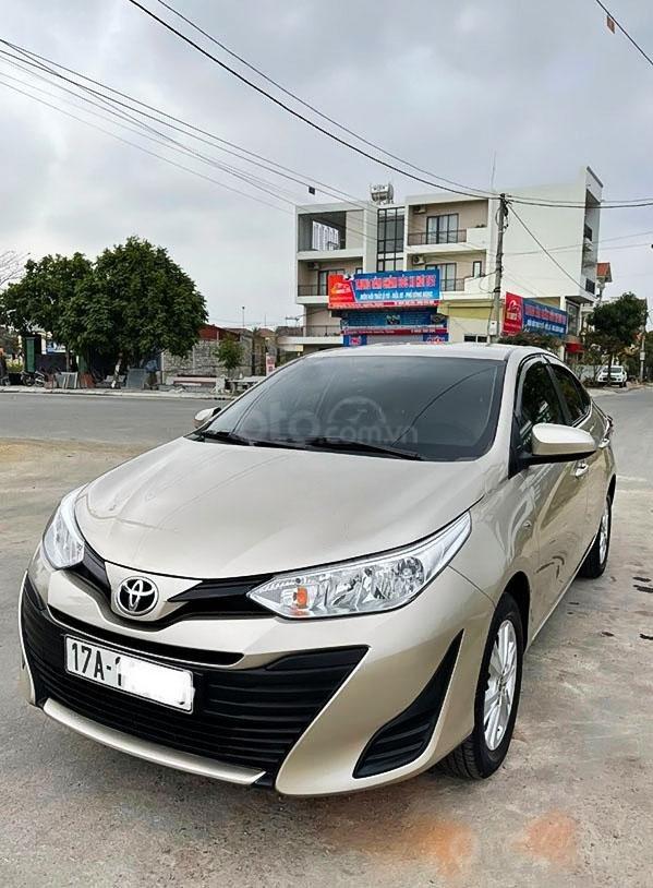Bán Toyota Vios sản xuất 2018, màu bạc (1)