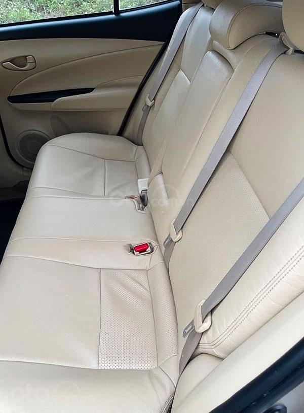 Bán Toyota Vios sản xuất 2018, màu bạc (2)