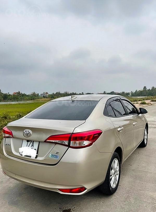 Bán Toyota Vios sản xuất 2018, màu bạc (3)