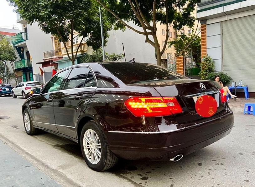 Bán Mercedes E200 năm sản xuất 2011, màu nâu, nhập khẩu, 579tr (3)