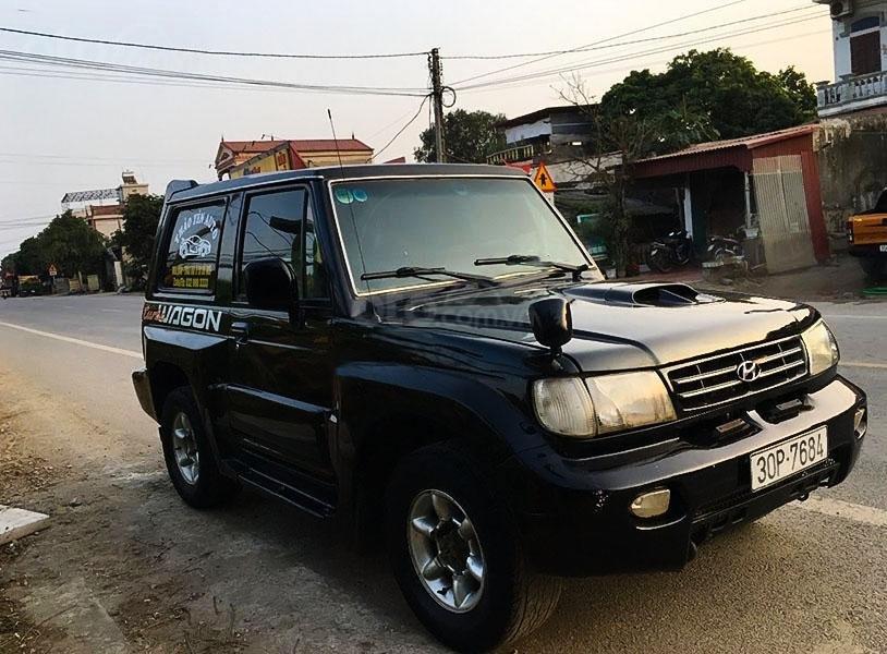 Cần bán gấp Hyundai Galloper đời 2003, màu đen, xe nhập (1)