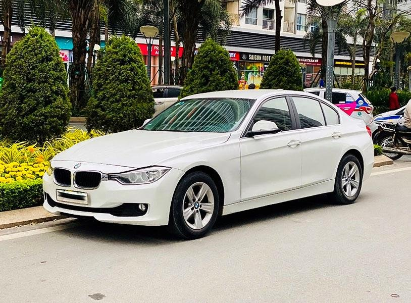 Bán BMW 3 Series 320i đời 2014, màu trắng, xe nhập chính chủ (1)