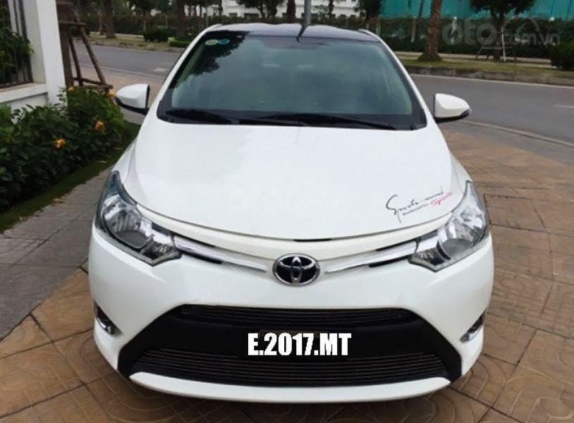 Bán Toyota Vios E đời 2017, màu trắng chính chủ (1)