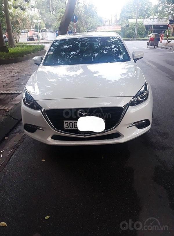 Cần bán lại xe Mazda 3 năm sản xuất 2020, màu trắng  (1)