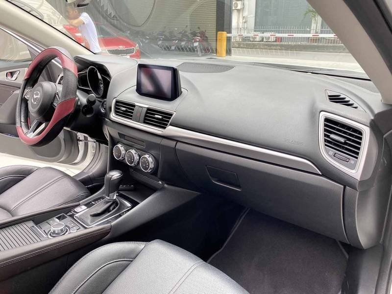 Bán Mazda 3 năm 2019 còn mới (7)