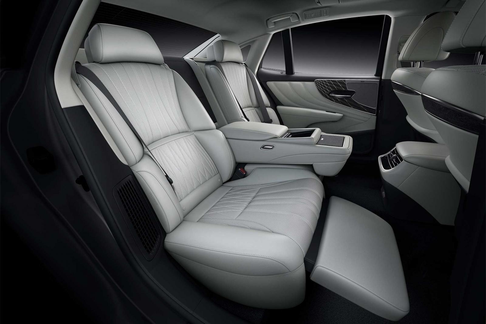 Ghế ngồi xe Lexus LS 2021 1