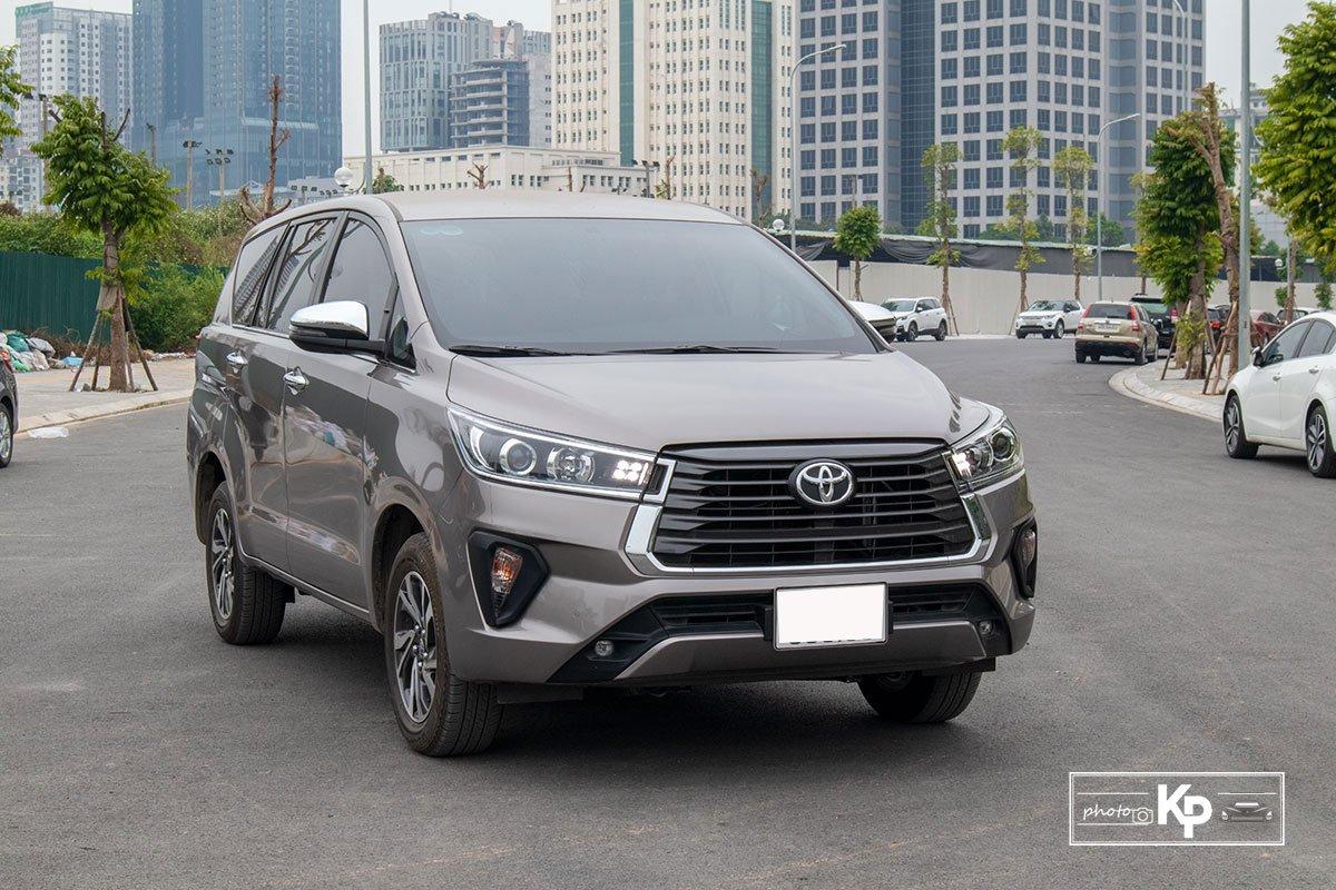 Ảnh Đầu xe xe Toyota Innova 2.0G 2021