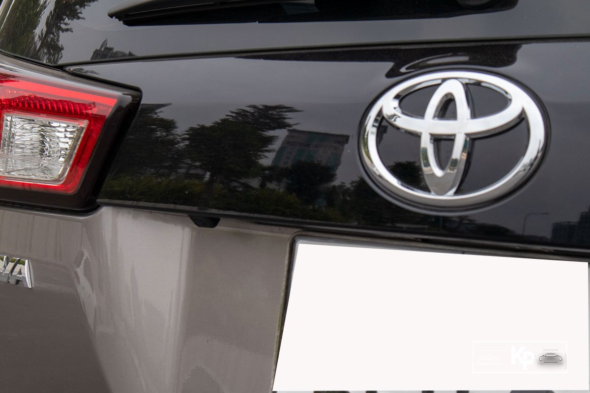 Ảnh Camera lùi xe Toyota Innova 2.0G 2021