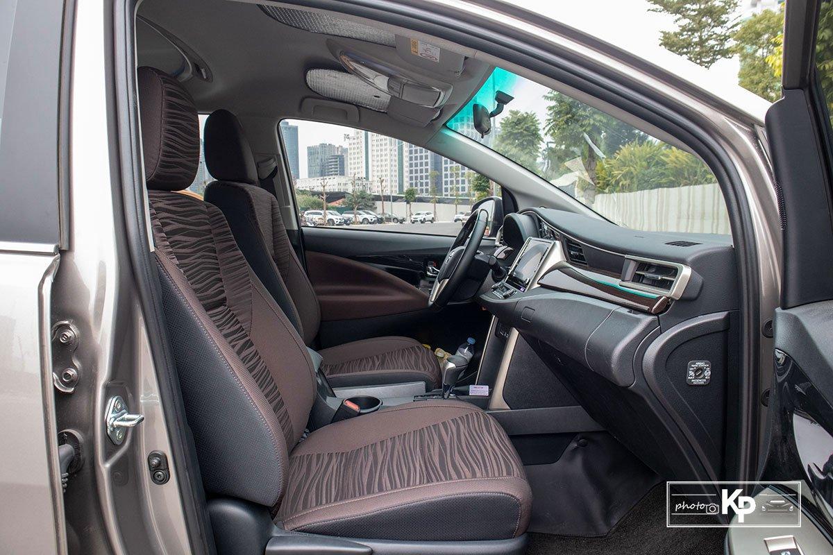 Ảnh Ghế phụ xe Toyota Innova 2.0G 2021 a1
