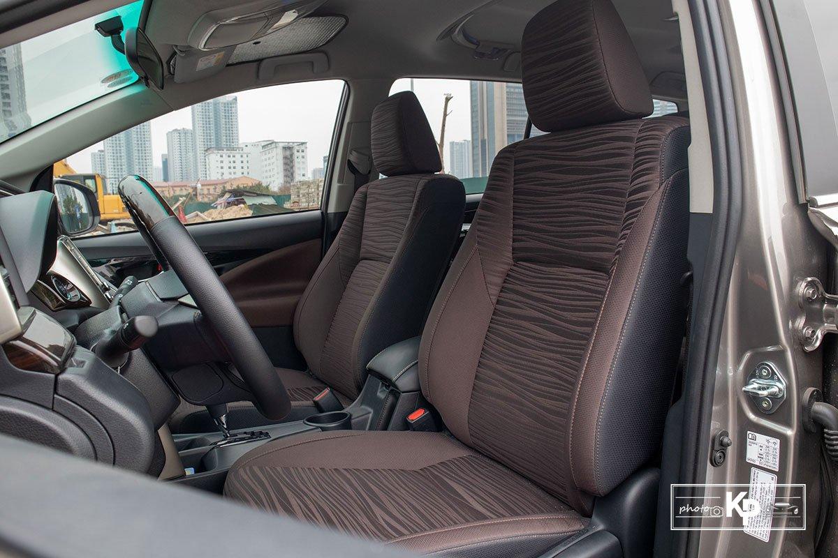 Ảnh Ghế lái xe Toyota Innova 2.0G 2021