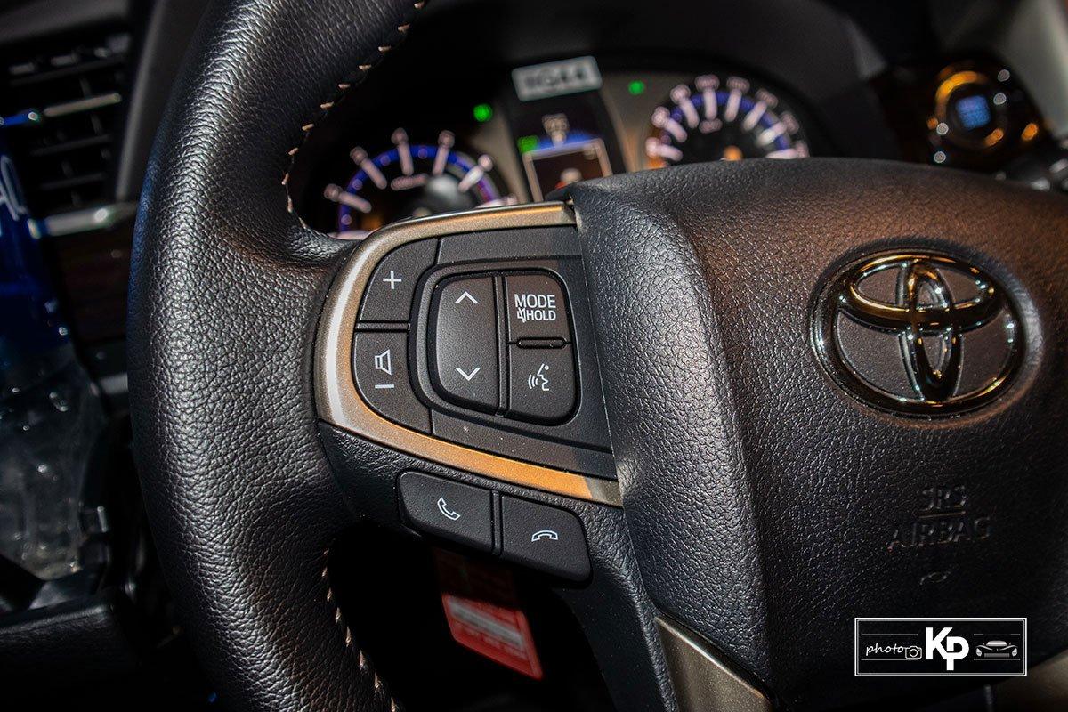 Ảnh Nút bấm xe Toyota Innova 2.0G 2021