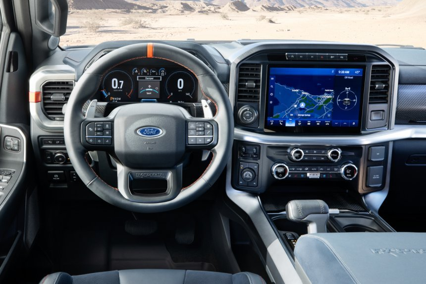 Ford F-150 Raptor 2021 trang bị tiện nghi hiện đại.