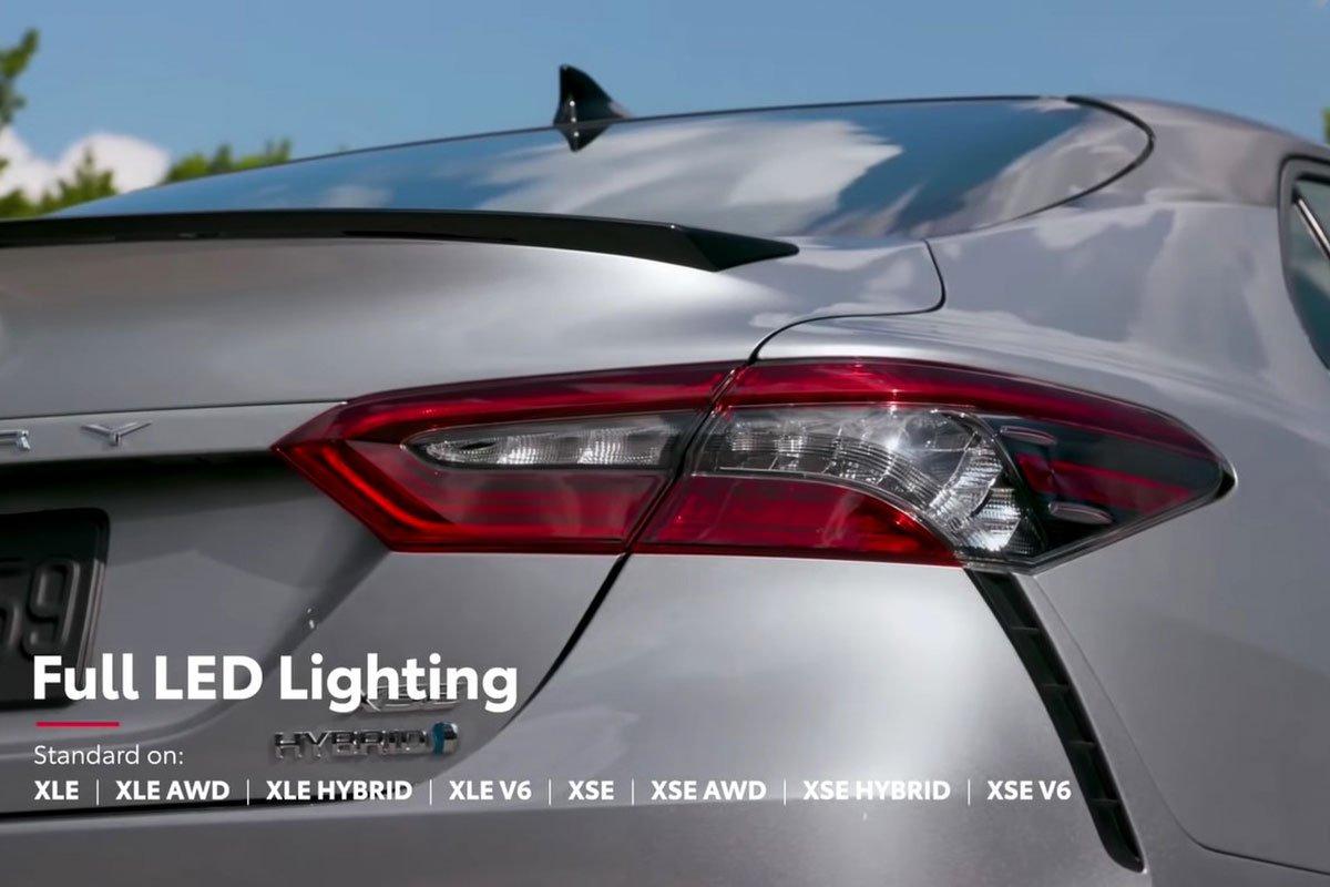 Ảnh Đèn hậu xe Toyota Camry 2021