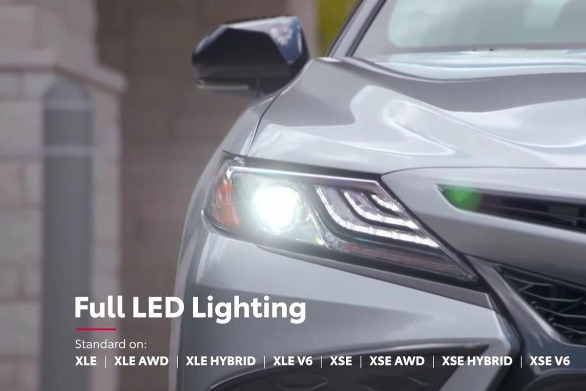 Ảnh Đèn pha xe Toyota Camry 2021