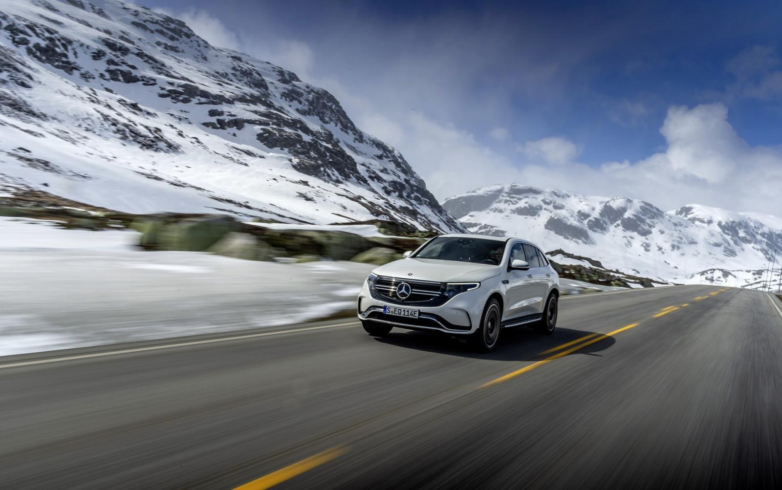 Mercedes EQC mới thân thiện môi trường và manh mẽ.