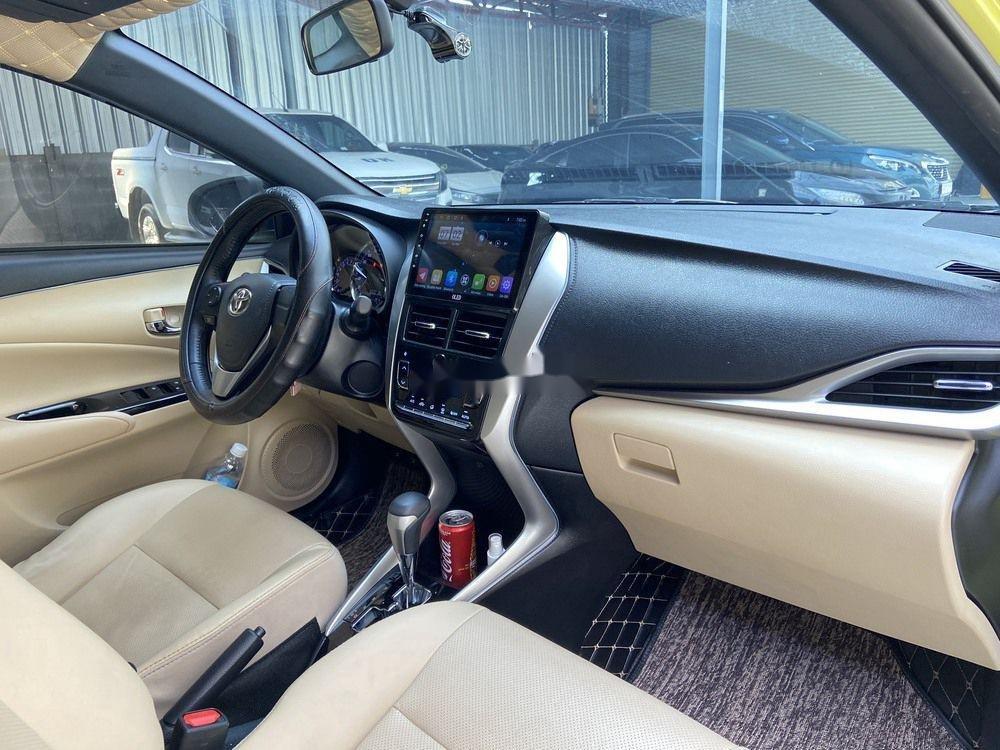 Cần bán lại xe Toyota Yaris 1.5G CVT 2019, màu vàng (10)