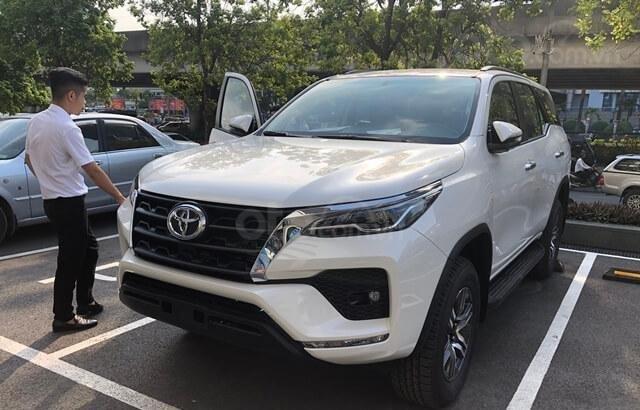 Toyota Vinh - Nghệ An - bán xe Fortuner số tự động giá rẻ nhất Nghệ An, trả góp 80% lãi suất thấp (2)