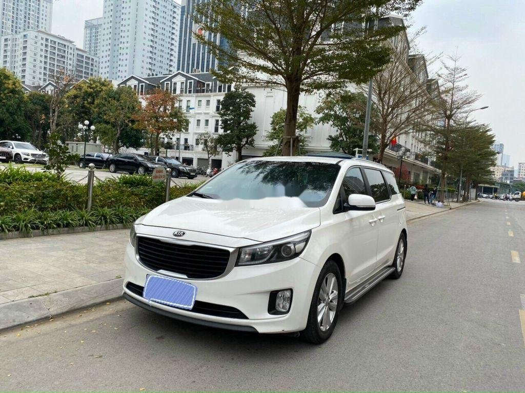 Bán Kia Sedona năm sản xuất 2016, màu trắng chính chủ, giá 745tr (3)