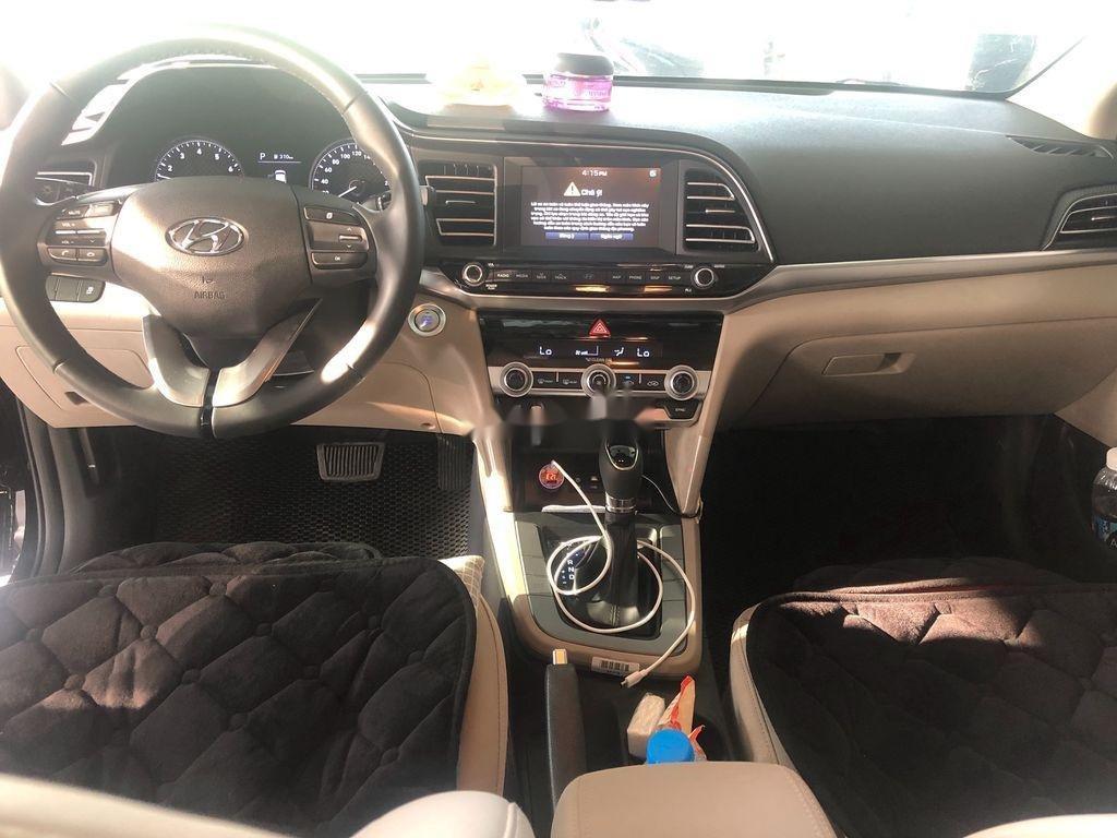 Cần bán xe Hyundai Elantra năm 2020 còn mới, giá 620tr (3)