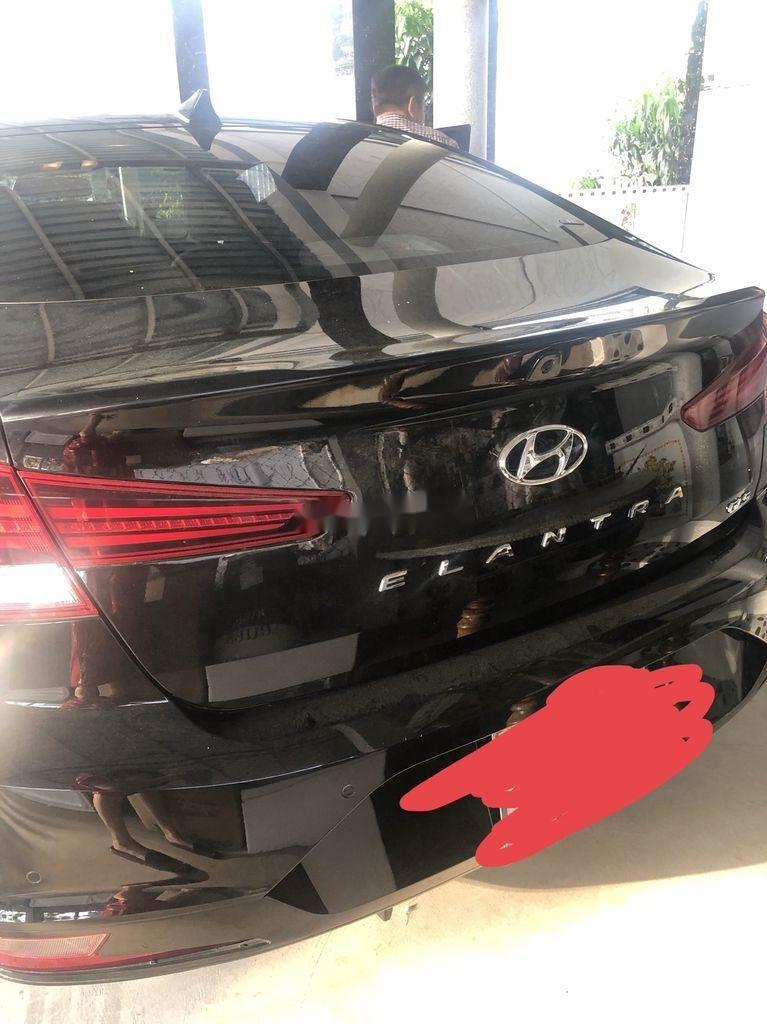 Cần bán xe Hyundai Elantra năm 2020 còn mới, giá 620tr (4)