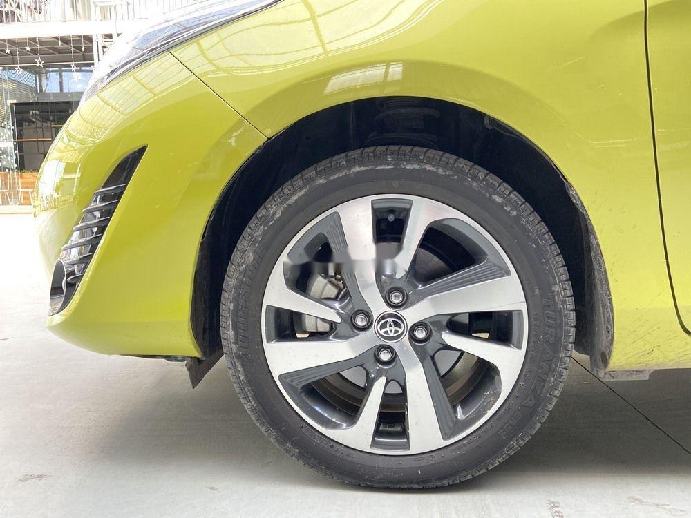 Cần bán lại xe Toyota Yaris 1.5G CVT 2019, màu vàng (12)