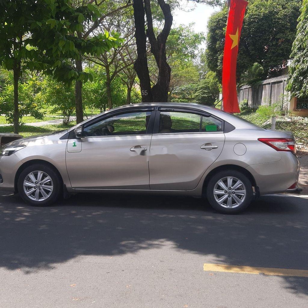 Bán Toyota Vios năm sản xuất 2017, màu xám (1)