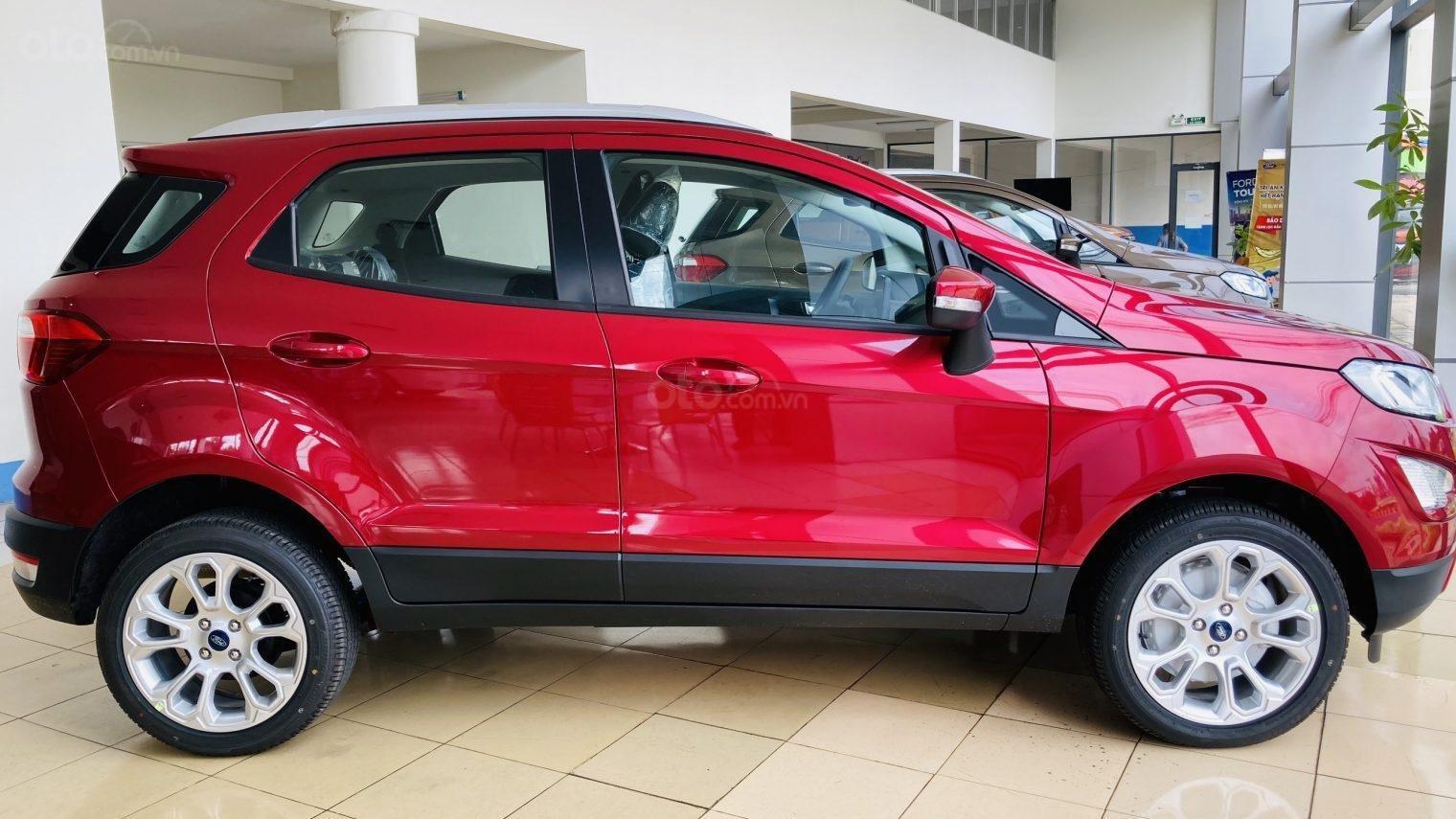 Dòng Ecosport Titanium 2021 giảm giá khủng đủ màu, có sẵn, nhận xe ngay. (2)
