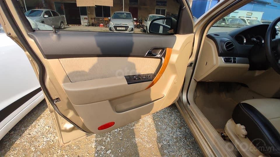 Cần bán lại xe Chevrolet Aveo MT năm 2015, màu vàng cát, giá bay nhanh (2)