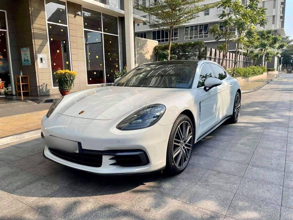 Bán xế sang Porsche Panamera model 2019, màu trắng, odo siêu lướt, options miên man (2)