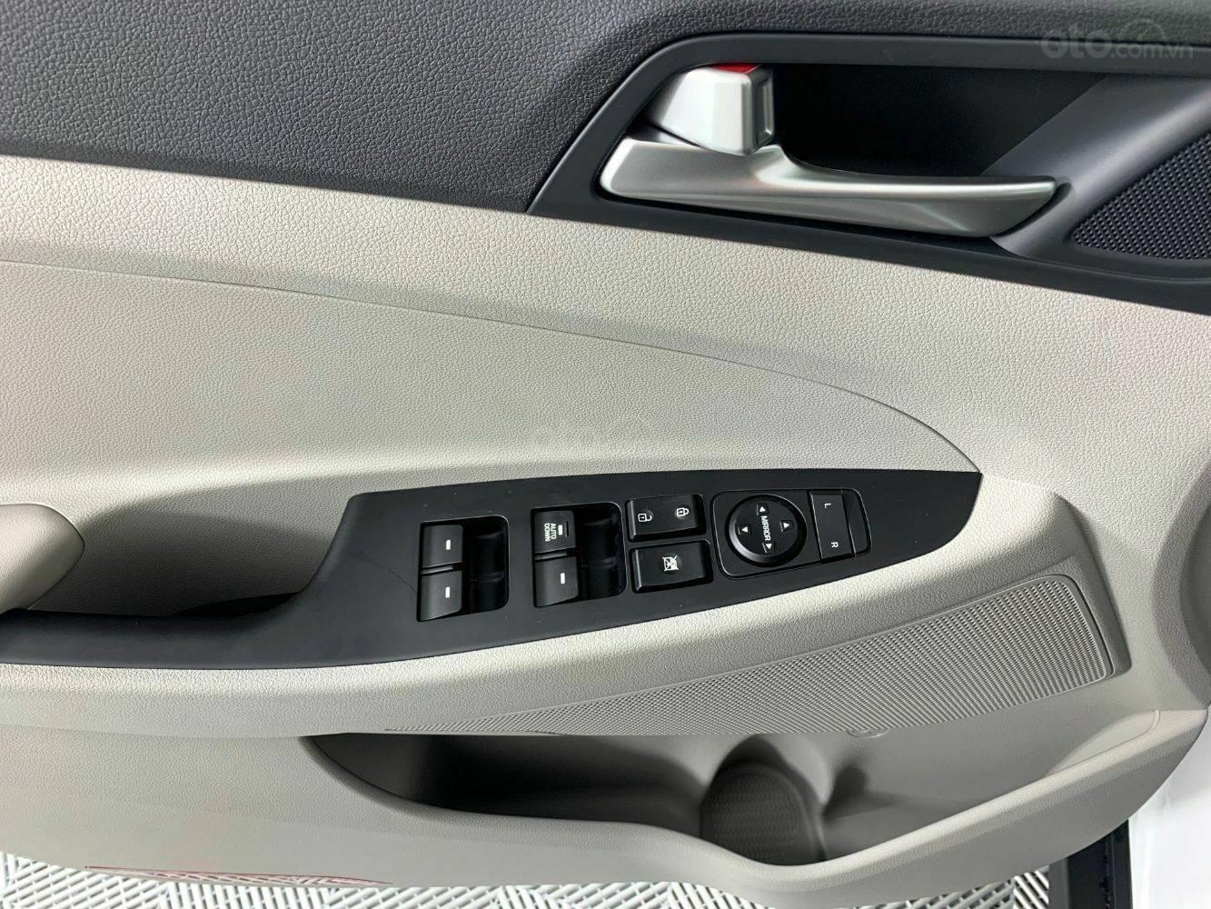 [TPHCM] Hyundai Tucson sẵn kho, đủ màu, hỗ trợ vay lên đến 85%+ chương trình khuyến mãi hấp dẫn (9)