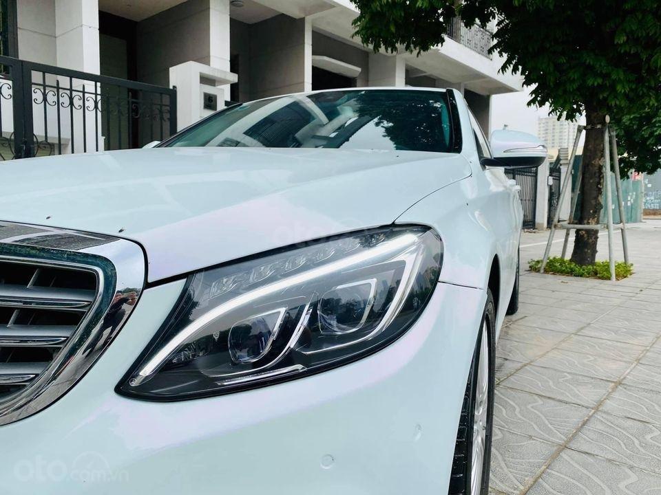 Cần bán ô tô Mercedes C250 model 2016, màu trắng, giá đẹp như xe (1)