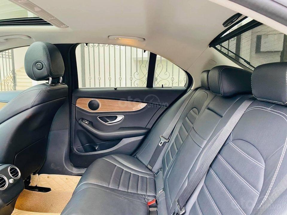 Cần bán ô tô Mercedes C250 model 2016, màu trắng, giá đẹp như xe (5)