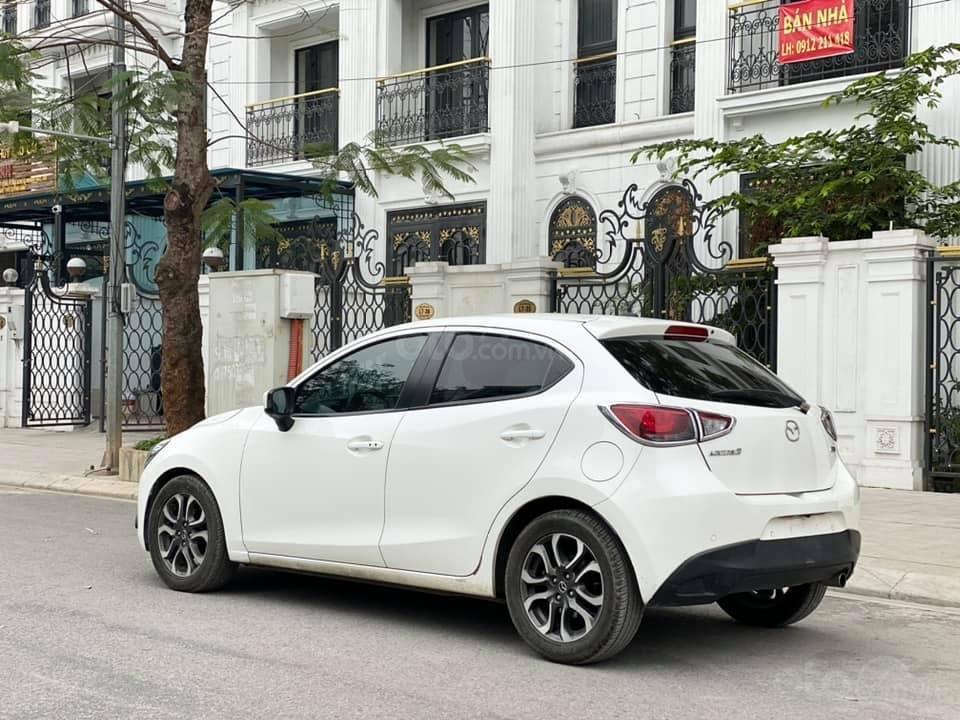Bán gấp giá đẹp xe Mazda 2 1.5AT sản xuất 2016, màu trắng, biển Sài Gòn (4)