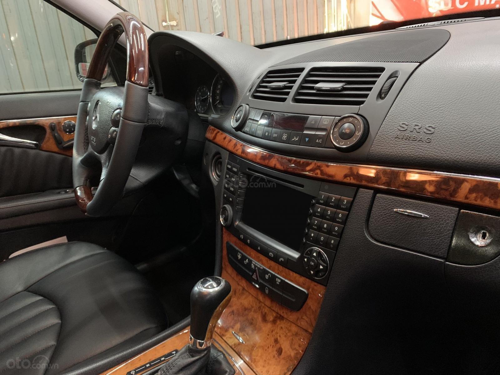Bán Mercedes E280 sản xuất 2008, màu đen số tự động, nhập khẩu (2)