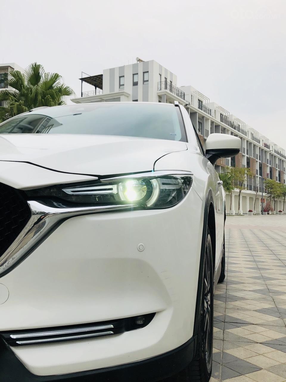 [Hot] bán nhanh Mazda CX5 2.5 đời 2018 màu trắng, xe 1 chủ từ đầu biển HN, xe đẹp không 1 lỗi nhỏ (7)