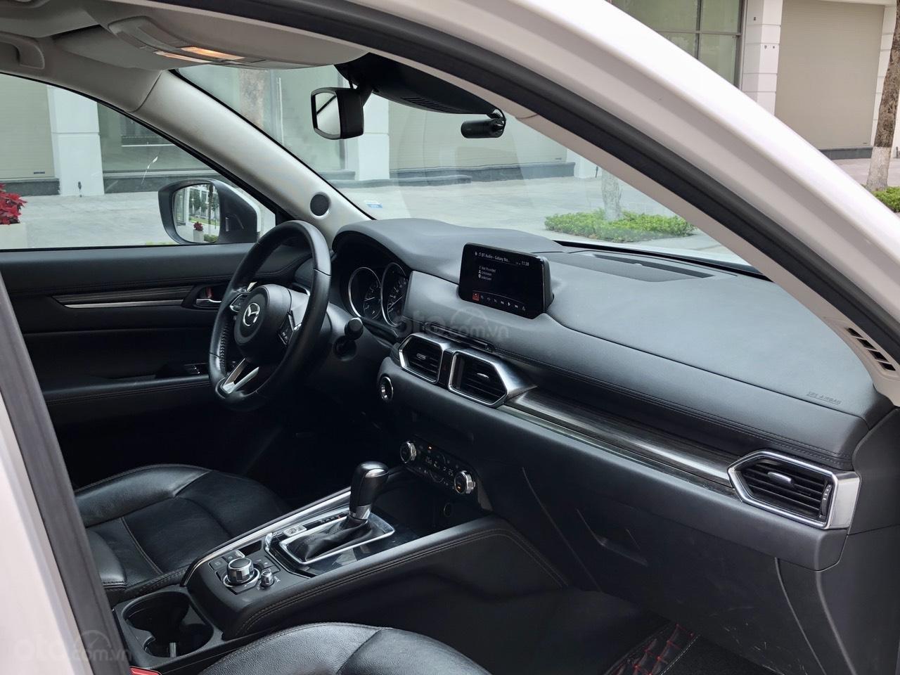 [Hot] bán nhanh Mazda CX5 2.5 đời 2018 màu trắng, xe 1 chủ từ đầu biển HN, xe đẹp không 1 lỗi nhỏ (9)