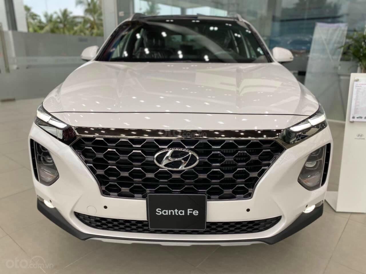 Bán xe Hyundai SantaFe 7 chỗ mới 100% giá lăn bánh cực thấp - đưa trước 300 triệu nhận xe (2)