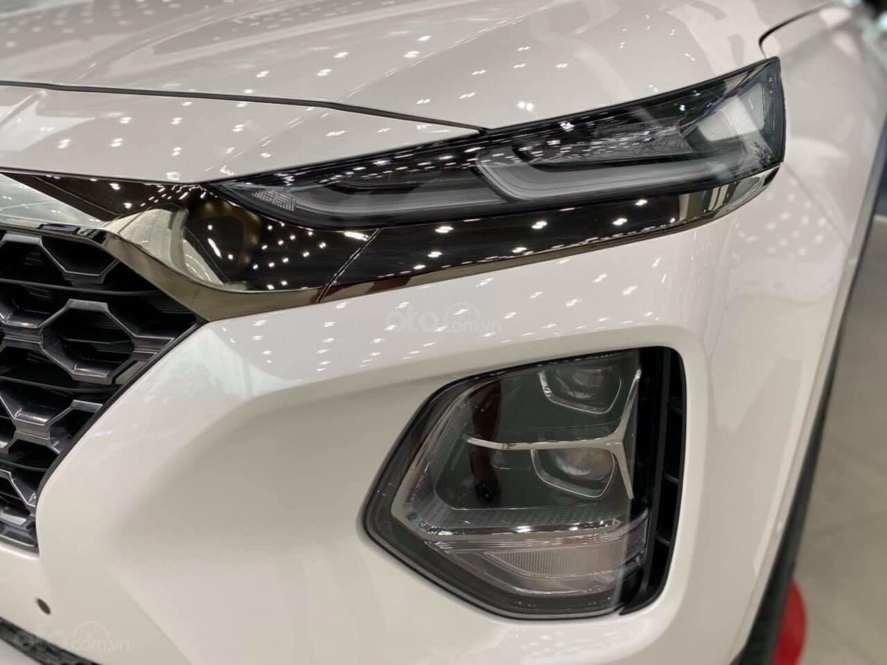 Bán xe Hyundai SantaFe 7 chỗ mới 100% giá lăn bánh cực thấp - đưa trước 300 triệu nhận xe (4)