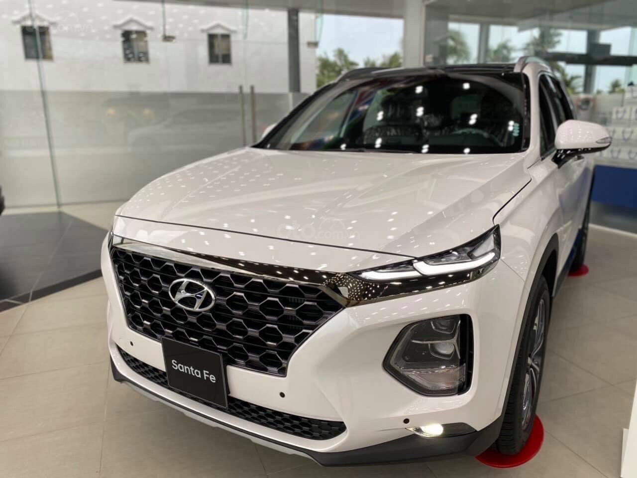 Bán xe Hyundai SantaFe 7 chỗ mới 100% giá lăn bánh cực thấp - đưa trước 300 triệu nhận xe (3)