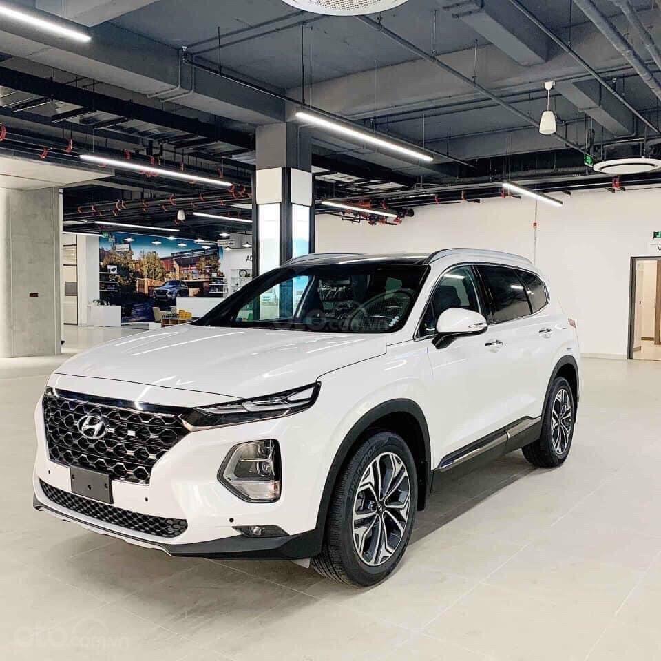 Bán xe Hyundai SantaFe 7 chỗ mới 100% giá lăn bánh cực thấp - đưa trước 300 triệu nhận xe (1)
