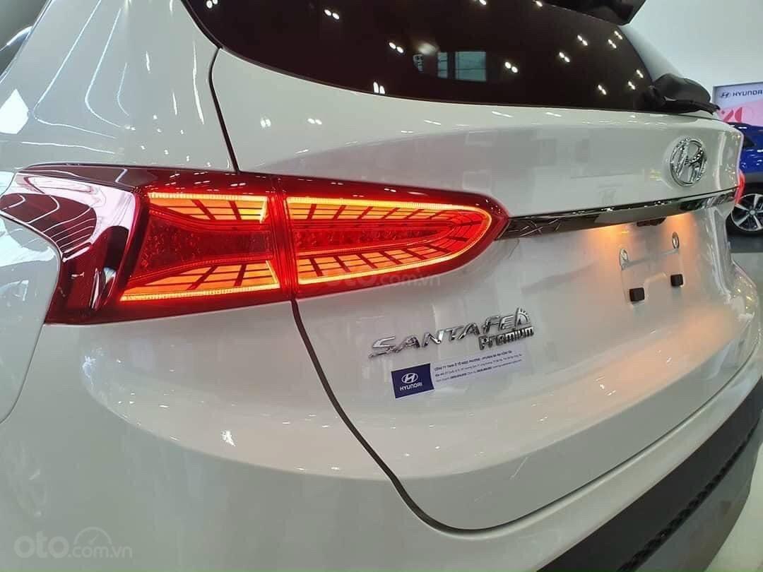 Bán xe Hyundai SantaFe 7 chỗ mới 100% giá lăn bánh cực thấp - đưa trước 300 triệu nhận xe (5)