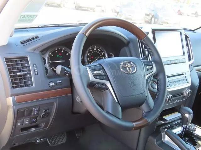 Bán Toyota Landcruiser VXS 4.6L 2021 nhập Mỹ (11)