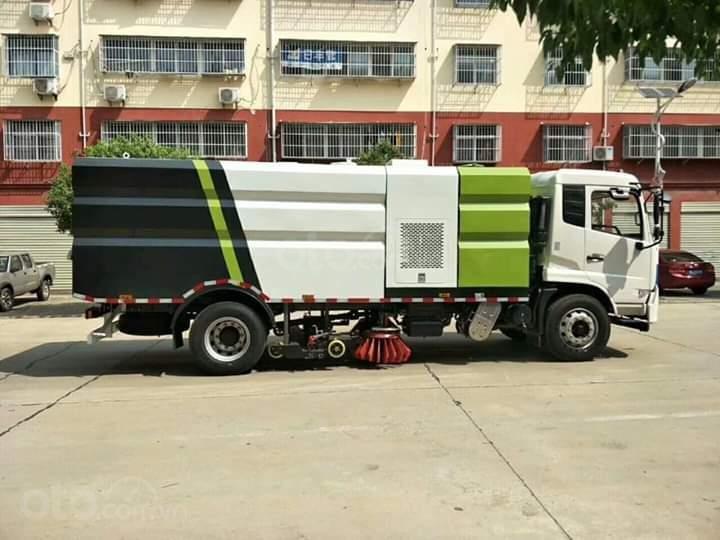 Bán xe quét đường hút bụi nhập khẩu 2021 10 khối (4)