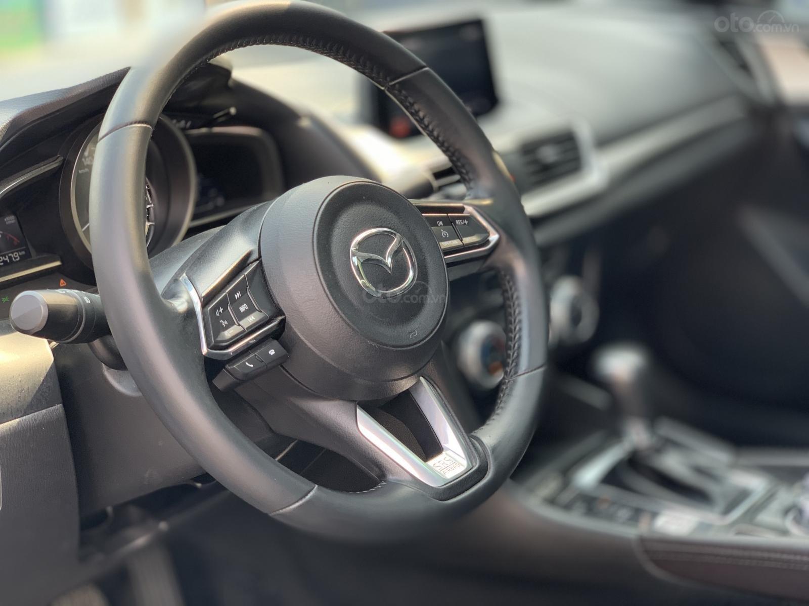 Bán Mazda 3 Sedan 1.5AT 2018 màu trắng xe đẹp, lăn bánh 53.000km (8)