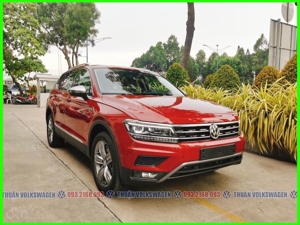 [Volkswagen Trường Chinh lì xì trước bạ khi đặt cọc T2/2021 LH Mr Thuận ] Tiguan Luxury S màu đỏ giao ngay+ gói phụ kiện (2)