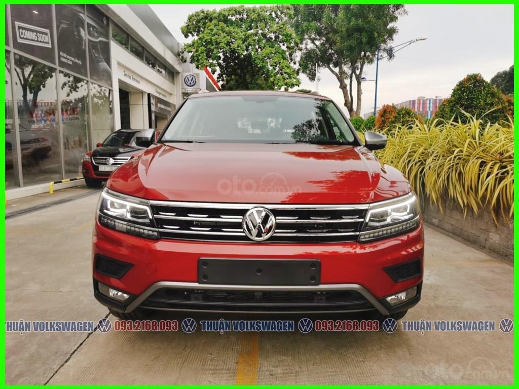 [Volkswagen Trường Chinh lì xì trước bạ khi đặt cọc T2/2021 LH Mr Thuận ] Tiguan Luxury S màu đỏ giao ngay+ gói phụ kiện (1)